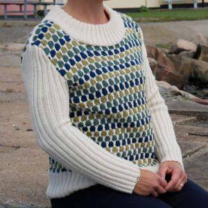 Sweater i vævestrik forfra