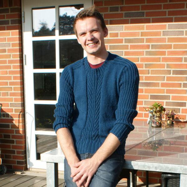Sweater til mænd vist forfra