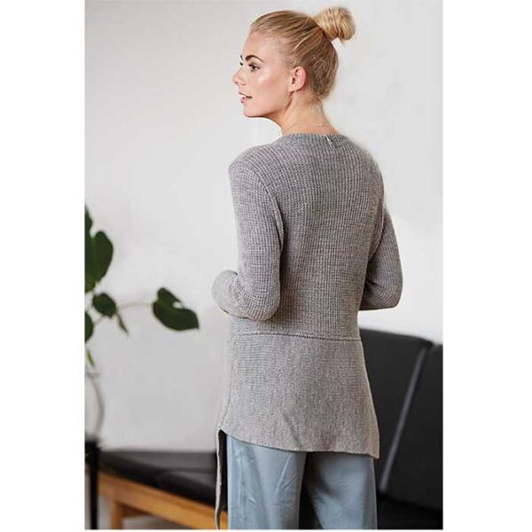 Asymmetrisk trøje bagfra
