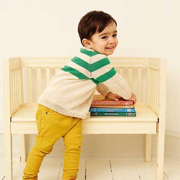 Drenge raglan sweater fra siden Kirsten Nyboe Strikdesign