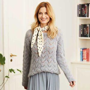 Sweater med hulmønster forfra