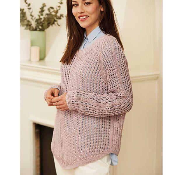 sweater med raglan og hulmønster fra siden Kirtsen Nyboe Strikdesign