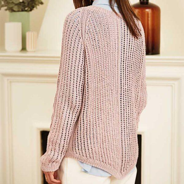 sweater med raglan og hulmønster bagfra