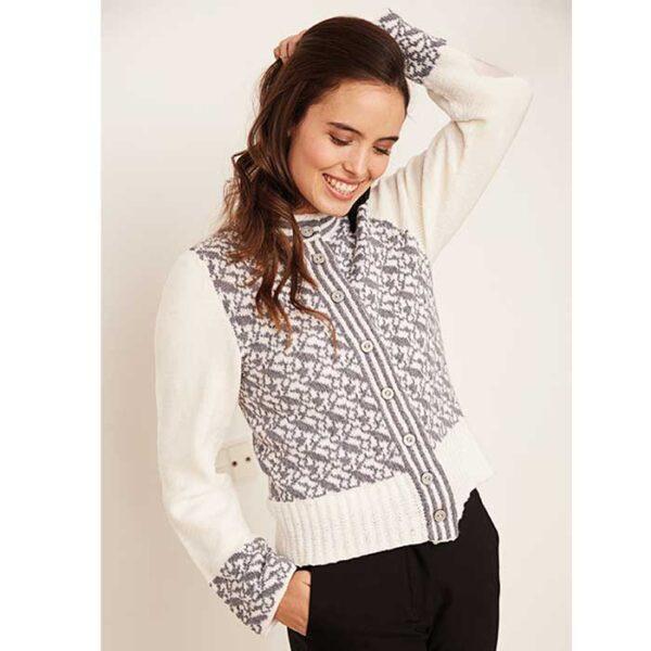 Cardigan sweater med mønster set forfra