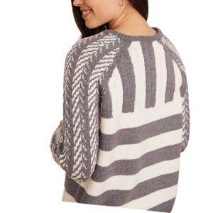 Sweater med raglan ærmer set skrøt bagfra