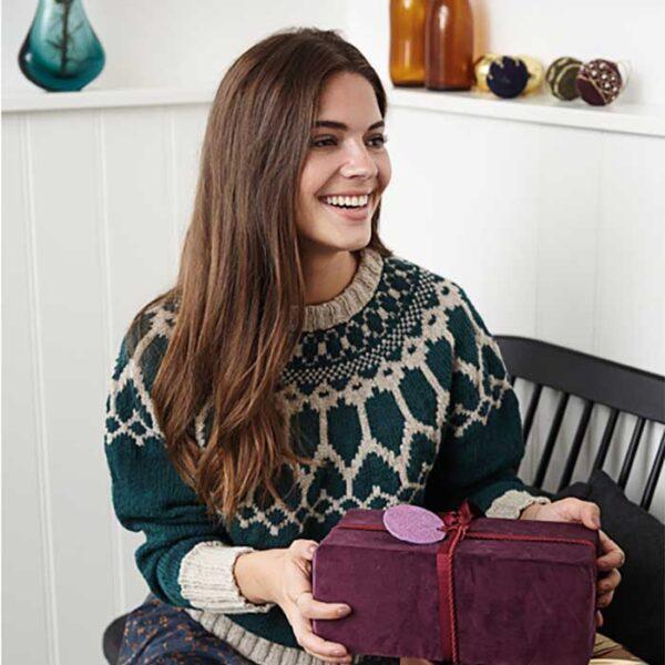 Top down sweater med fair isle mønster
